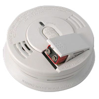 Kidde KN i12060, 120V AC/DC Smoke Alarm, Spring Load Battery Door and Hush