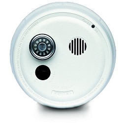 Gentex 9223TF, P/E Smoke Detector, 220VAC w/Temporal 3, Integral 135-DEG(F) Heat, Contacts, 9V.